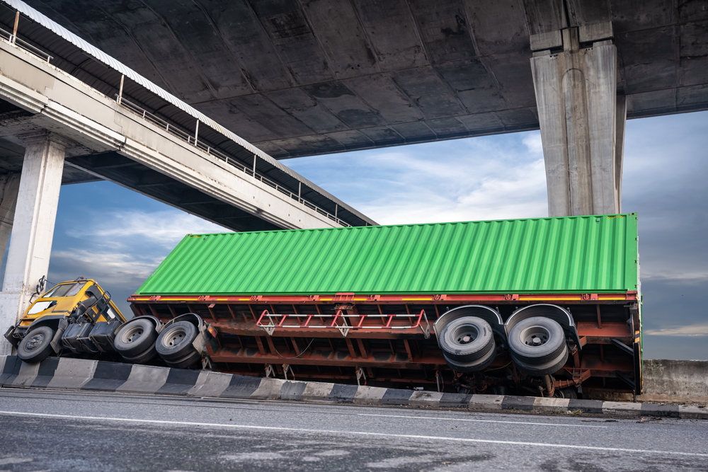 if you drive a commercial vehicle, you should a commercial trucking insurance policy!